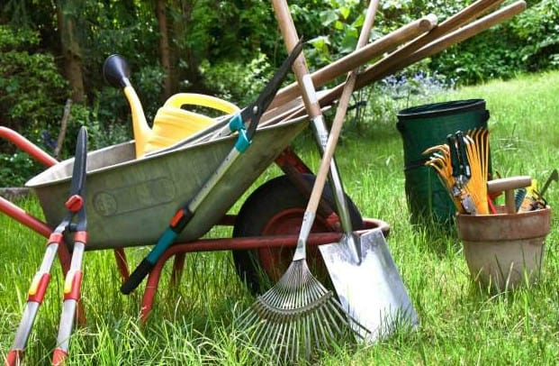 8 gardening tools that are needed by every gardener in sydney for Gardening tools you must have