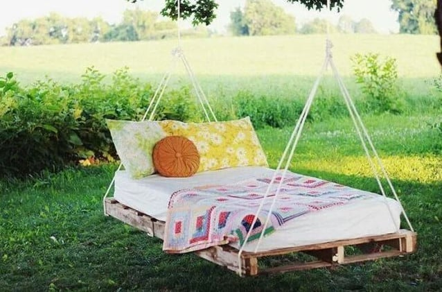 pallent swing ideas for backyard
