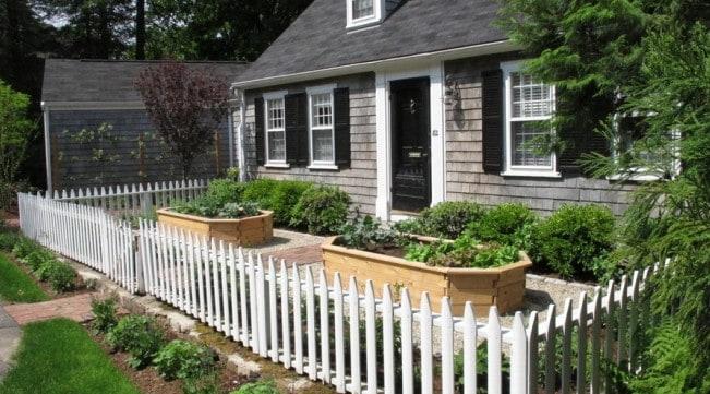 edible food garden in front yard