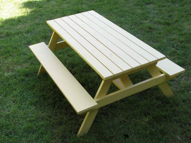 foldable picnic table for your backyard