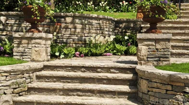 retaining wall landscaping ideas using stones
